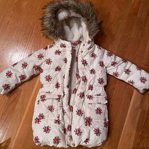 Kids 5t puffer coat, white with red flowers